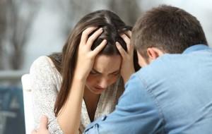 Как помириться с девушкой, если она не хочет разговаривать?фото